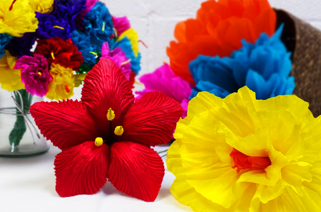 how to make tissue paper flowers for fiesta A combination of mexican paper flowers and those ever so popular tissue paper i normally love making origami flowers but now am hooked on crepe paper flowers with.